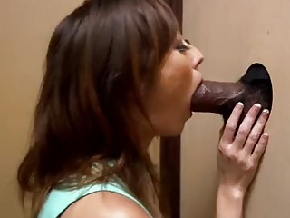 Impeccable amateur does a cuckold while sucking a gloryhole dick