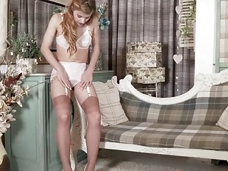 Retro striptease from a solo beauty