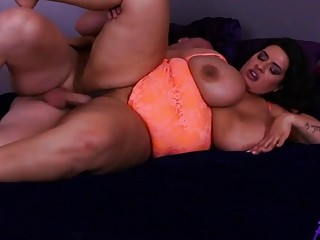 Sofia Rose got penetrated in her fat ass