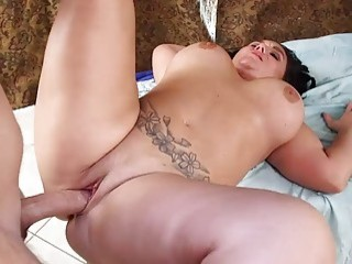 Chubby tattooed chick gets penetrated during her massage