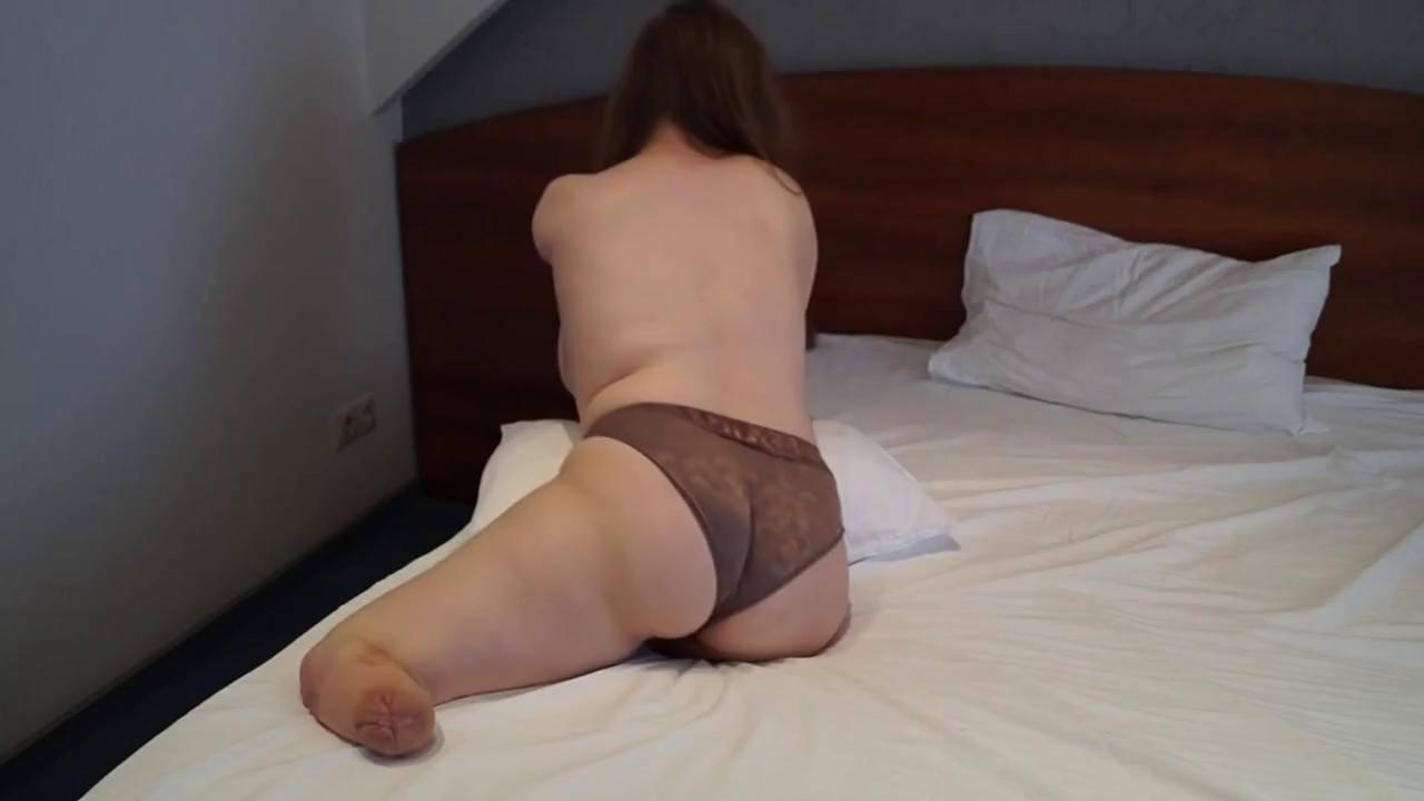 Amputee Humiliated Porn amputee beauty shows us her hot body - yesvids